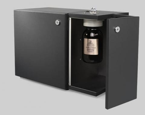 Leistungsstarke AIR:10 Duftgerät für den Einbau in Lüftungssysteme bis zu 3'000 m³ Raumgrösse